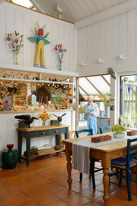 A look at Author Tomie DePaola's home in NH