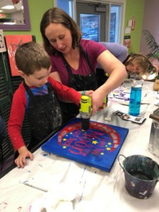 Hammer And Stain: Mom And Me Light Up Pallet @ The Canvas Roadshow   Bedford   New Hampshire   United States