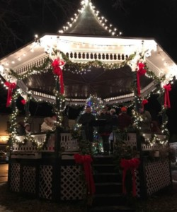 "Christmas Eve on the Milford Oval @ Milford Bandstand (""Oval"") Union Square 