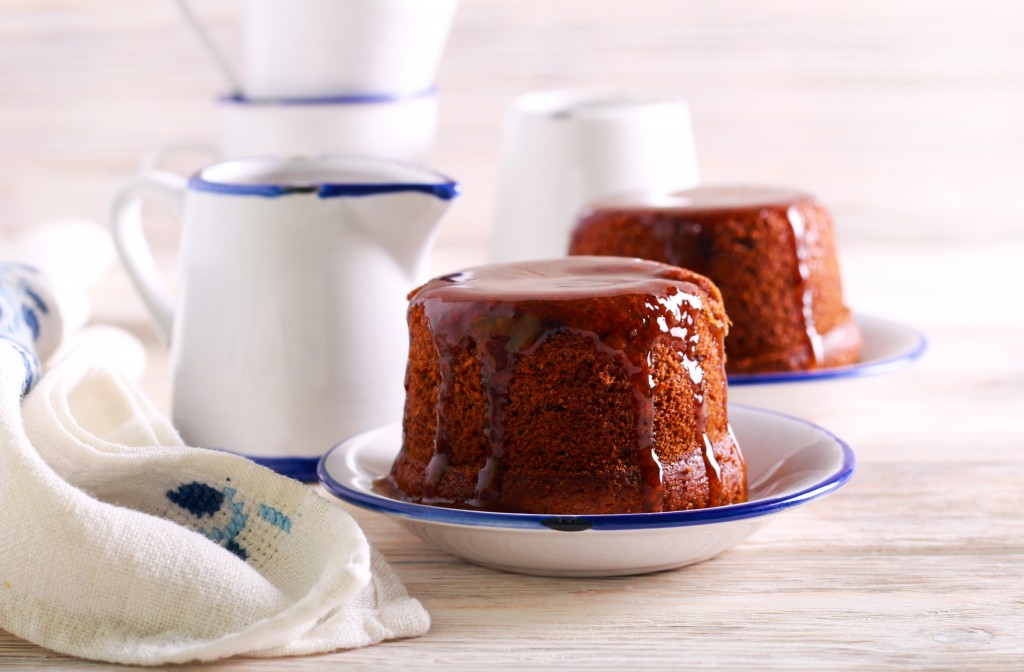 Sticky,date,toffee,pudding,with,caramel,topping