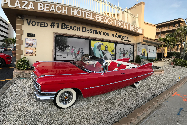 Plaza Beach Hotel, Beachfront Resort