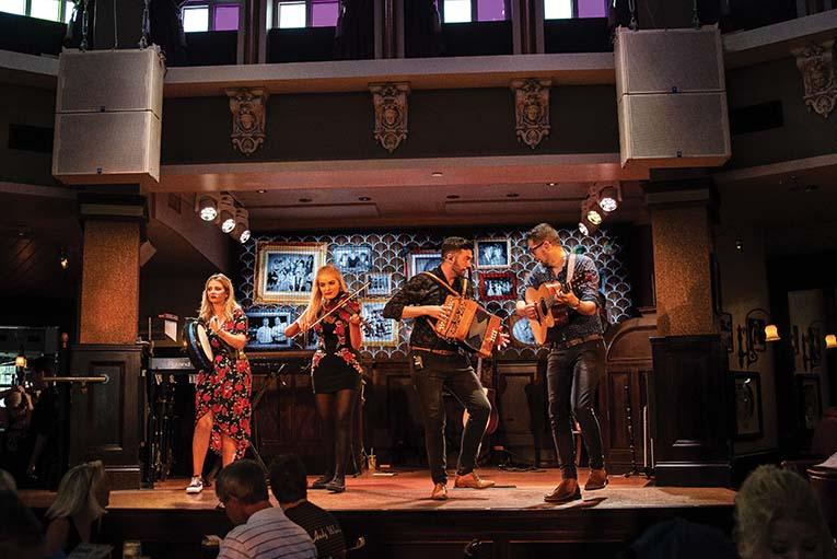 Raglan Band