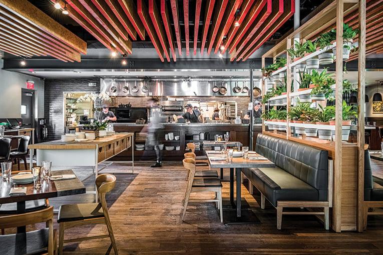 Luke's Restaurant, Photo By Roberto Gonzalez