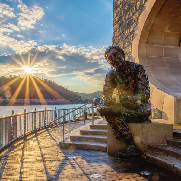 9 Things You May Not Know About The Mister Rogers Statue Pittsburgh Magazine