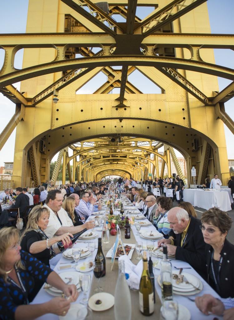 Farm To Fork Celebration 2014 Bridge Dinner 3