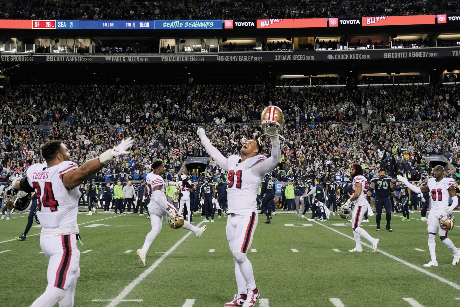 Armstead celebrates after the 49ers win against the Seattle Seahawks in the final game of the regular season on Dec. 29, 2019. With the victory, San Francisco clinched the division title and the NFC's No. 1 seed in the playoffs. (Photo by Stephen Brashear/AP Photo)