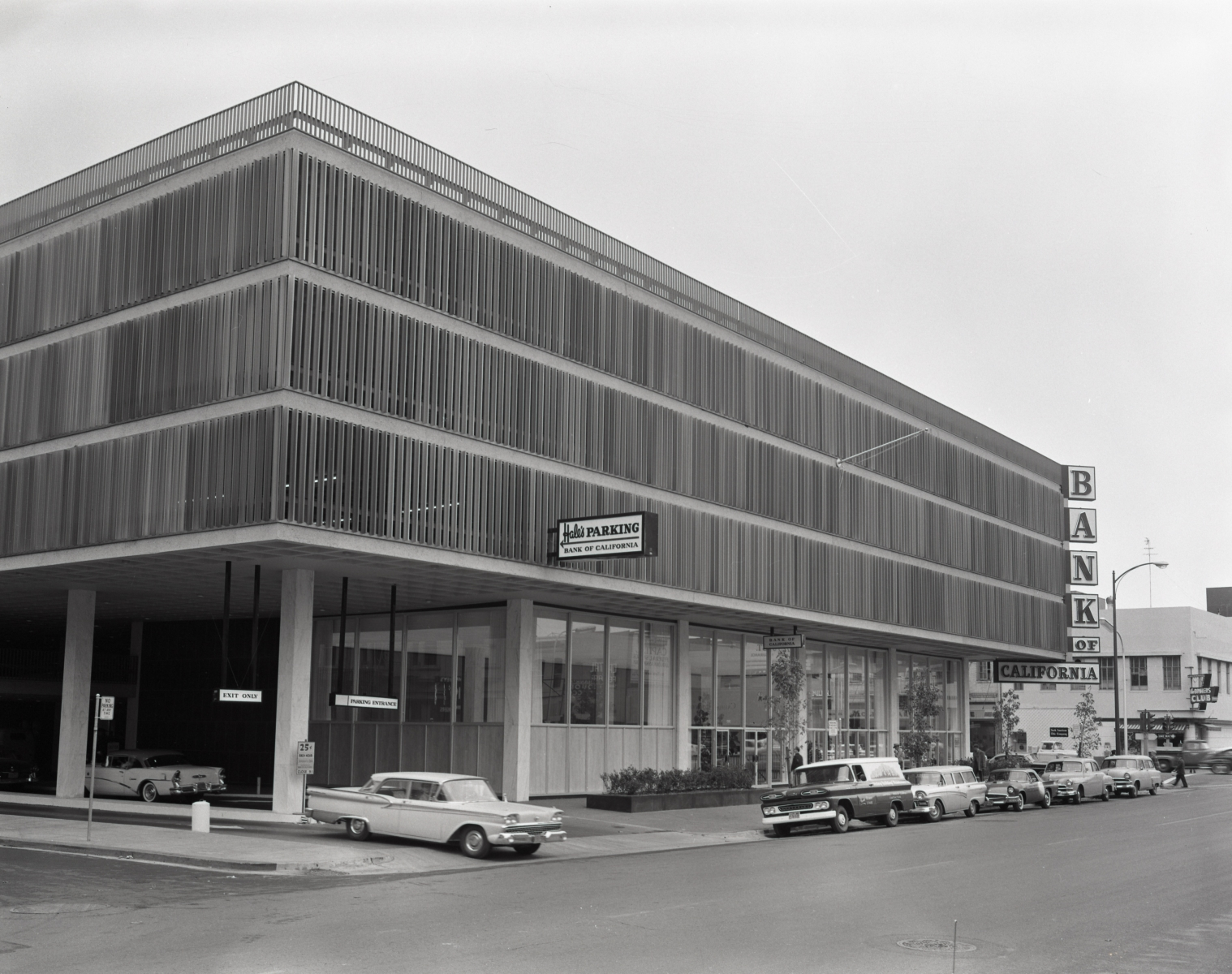 The 1010 8th Street structure in the early '60s when it housed a Bank of California branch (Photo courtesy of the Center for Sacramento History)