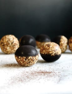 DARK CHOCOLATE MAGIC BLISS BALLS WITH GRANOLA
