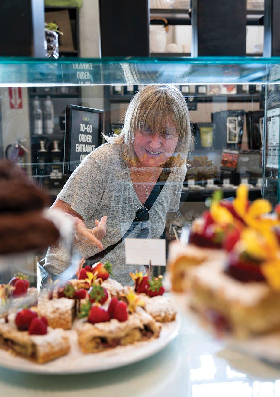 San Diego chef Deborah Scott dines at San Diego restaurant Extraordinary Desserts