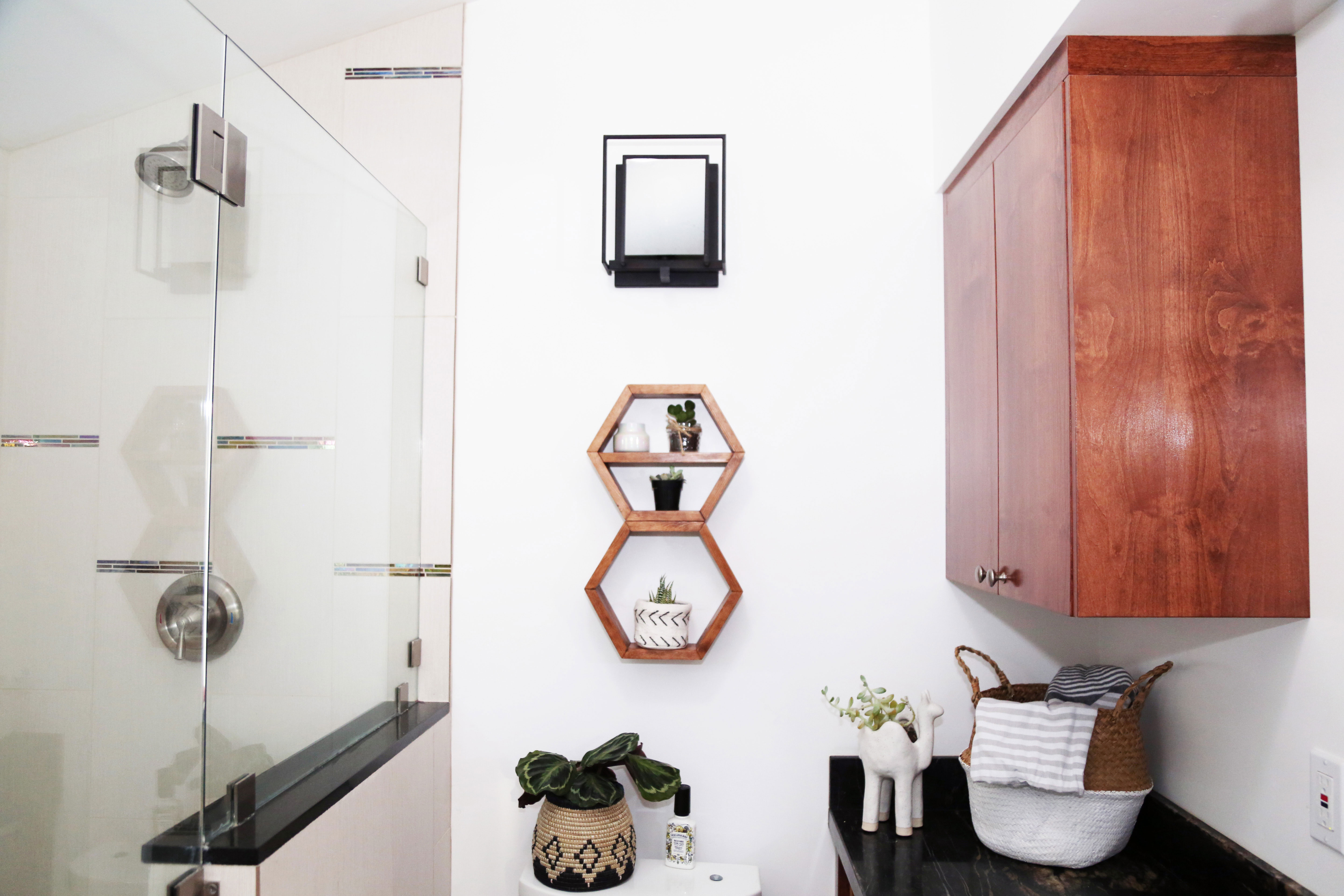 tiny house bathroom #sdsmallspaces
