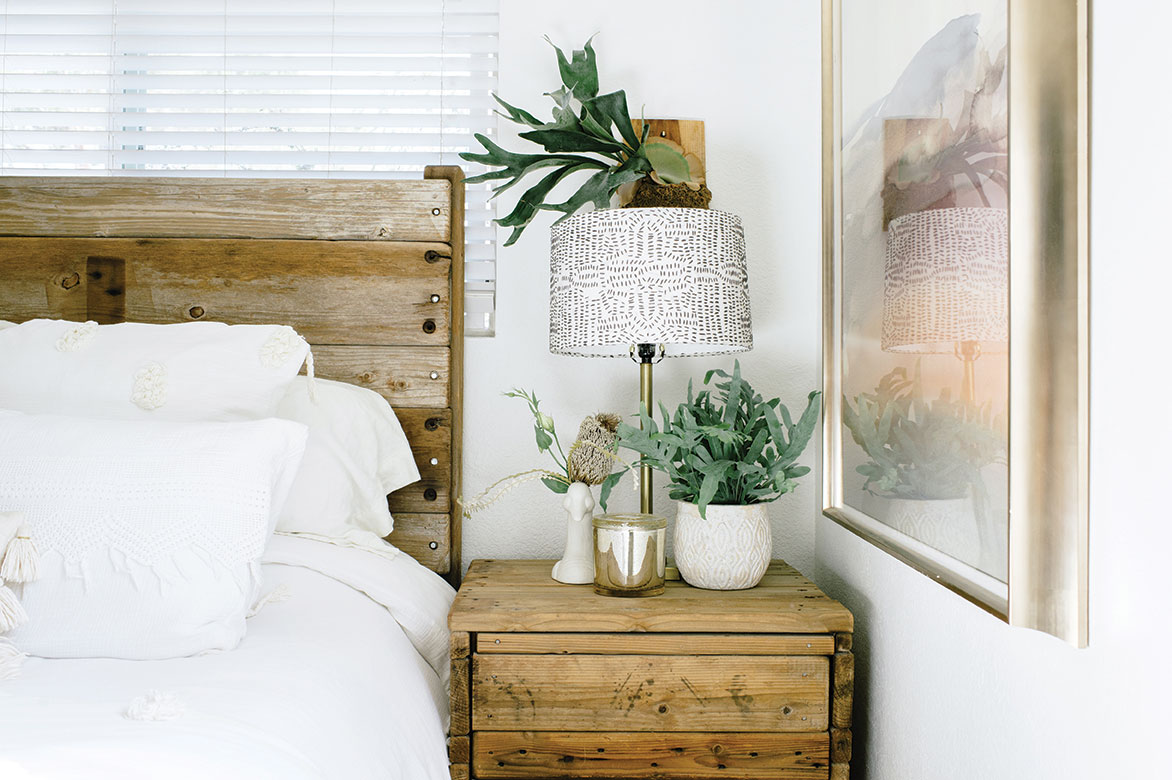 small space tips homemade furniture upcycle recycled reclaimed wood
