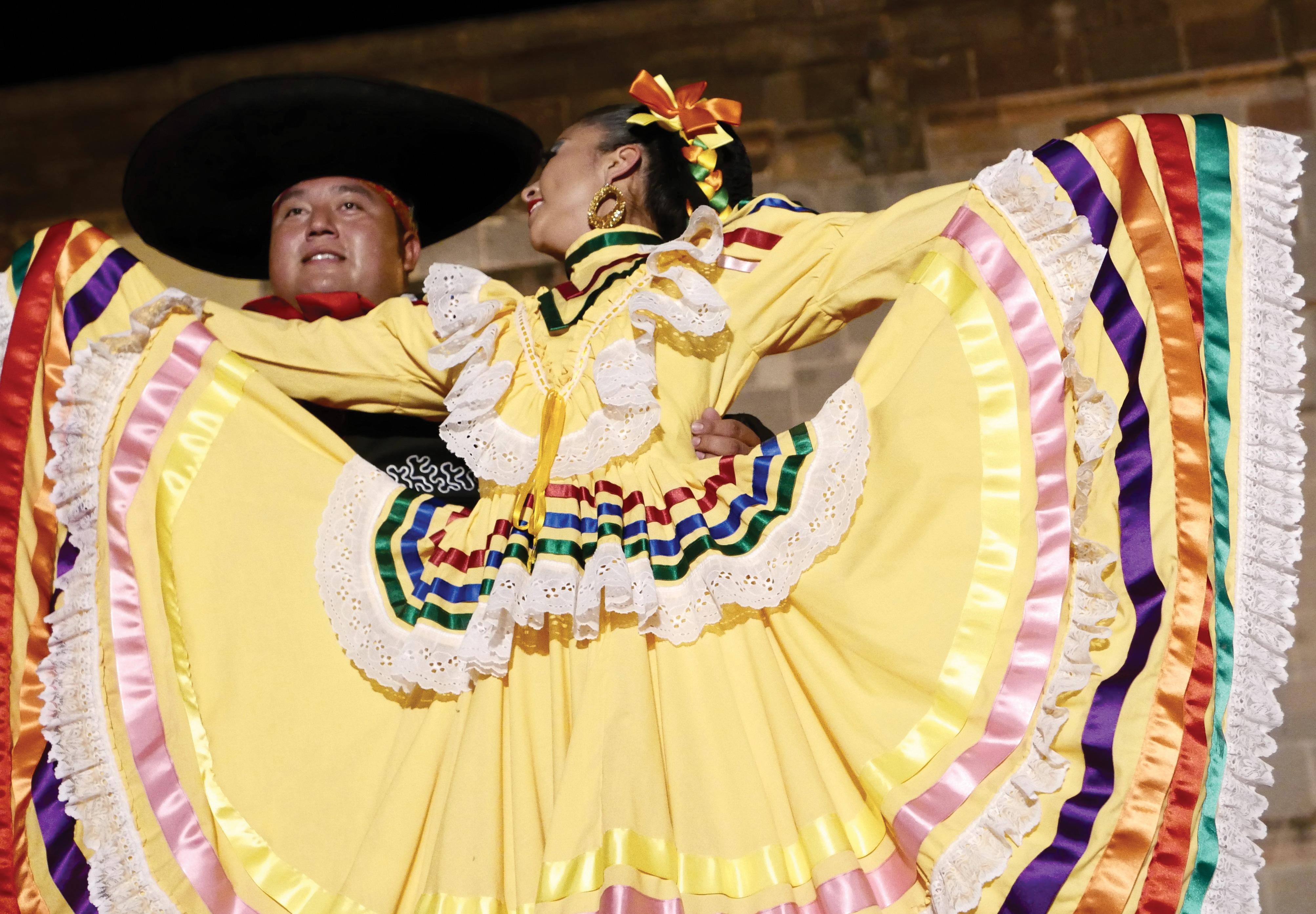 ballet folklorico san miguel de allende teatro juarez travel mexico guanajuato