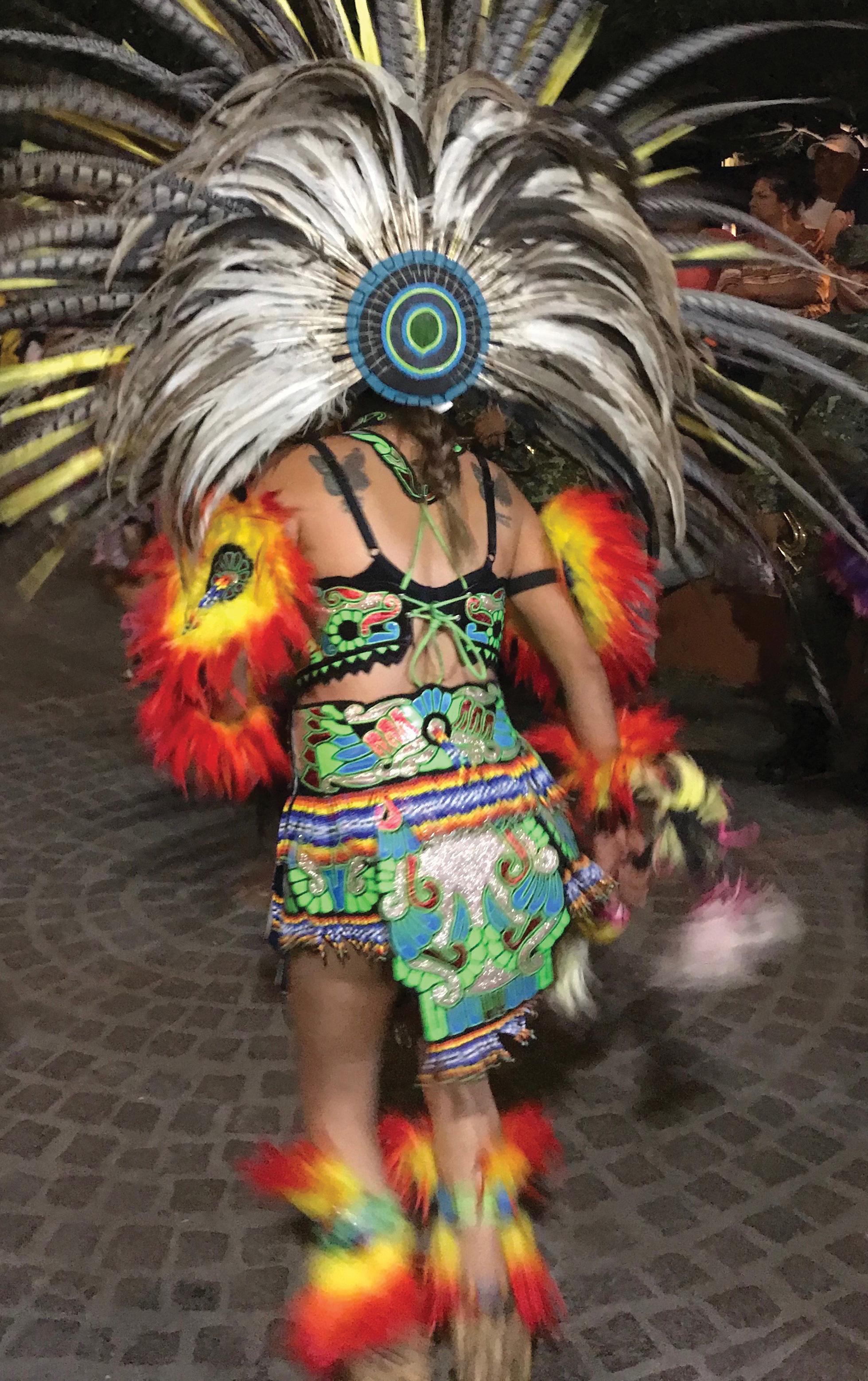 guanajuato city mexico street performer