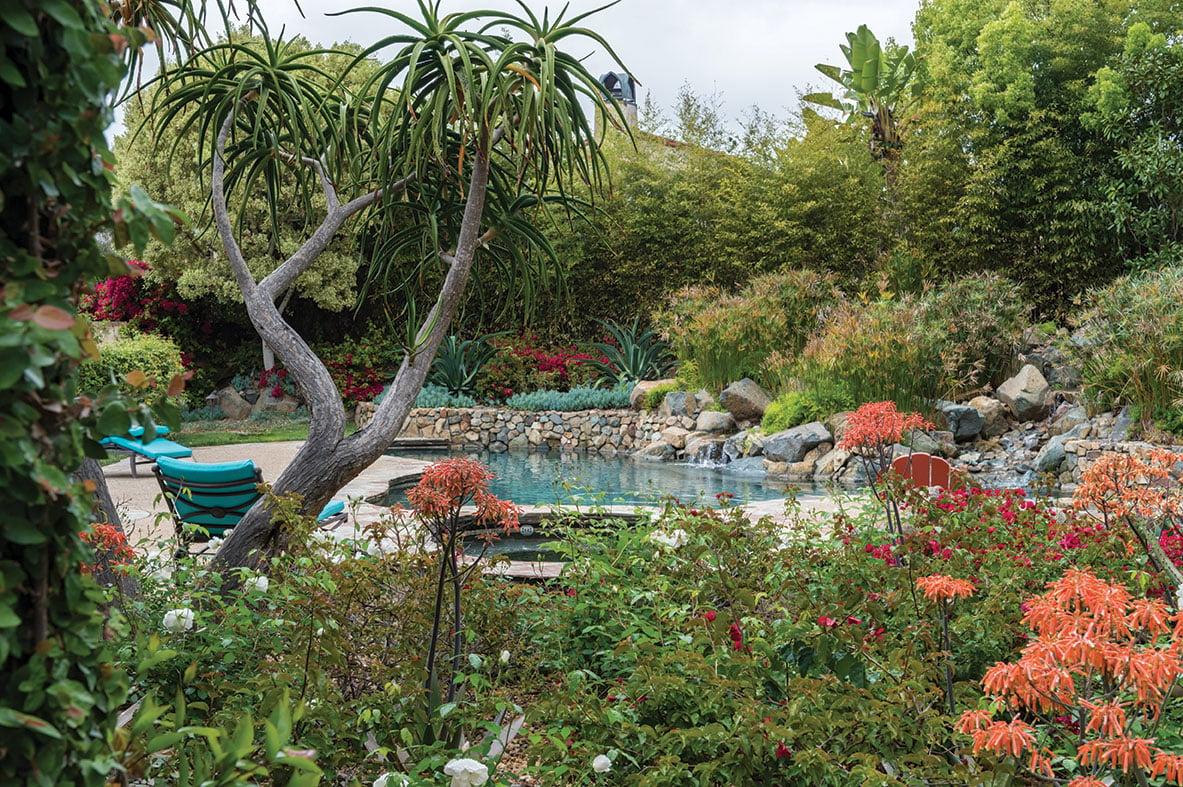 tuscan contemporary home garden pool
