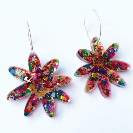 style gift guide flower hoop earrings