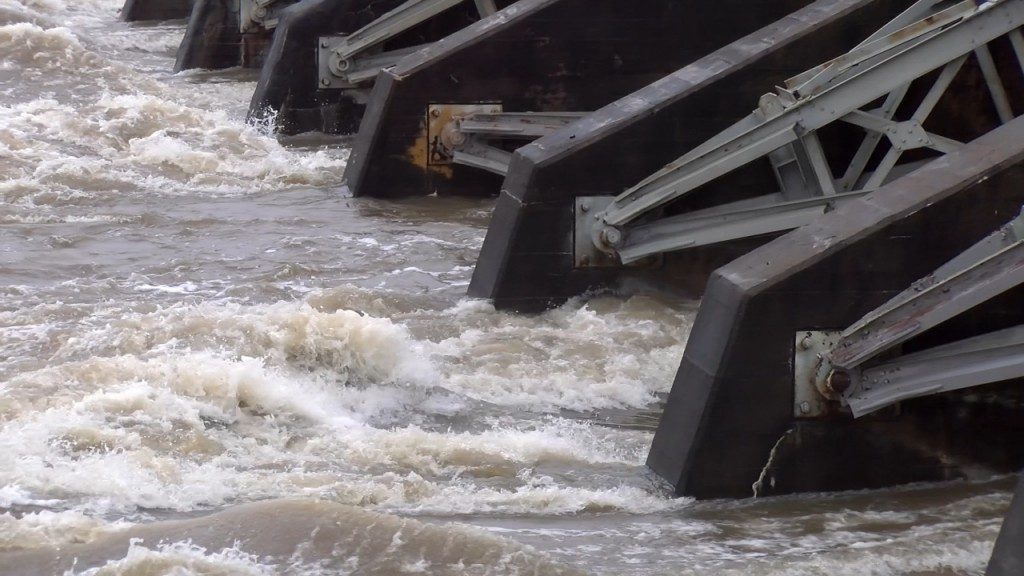 Open Flood Gat At Dam