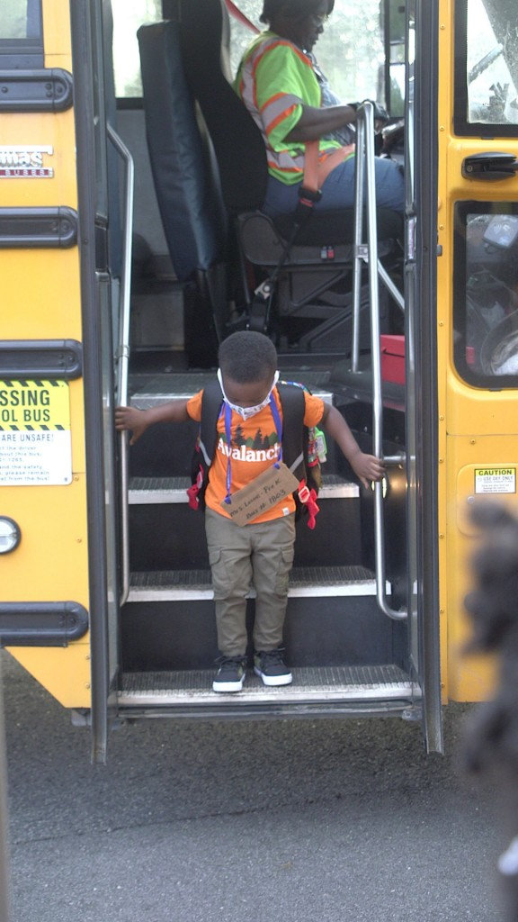 Prek Students Firstday Isecs Olds Bus 5.jpg.00 00 00 29.still001