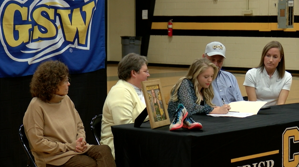 Crisp Academy's Allie Brown Signs With Gsw