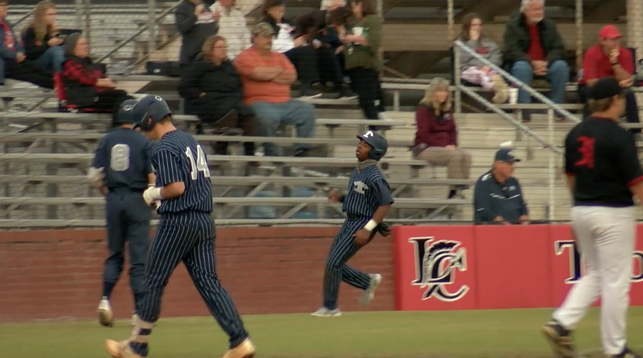 Blue Devils Use 3 Run 7th Inning To Top Trojans