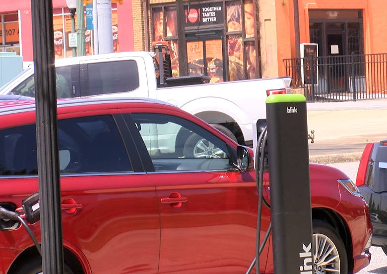 Albany Unveils Electric Vehicle Charging Stations