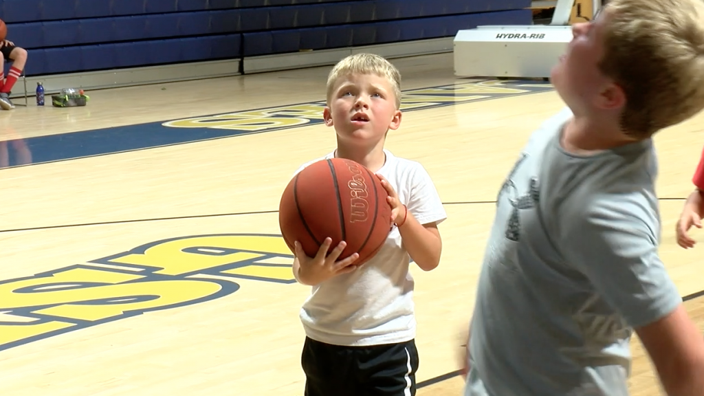 Gsw Men's Basketball Hosts Kids Camp At The Storm Dome