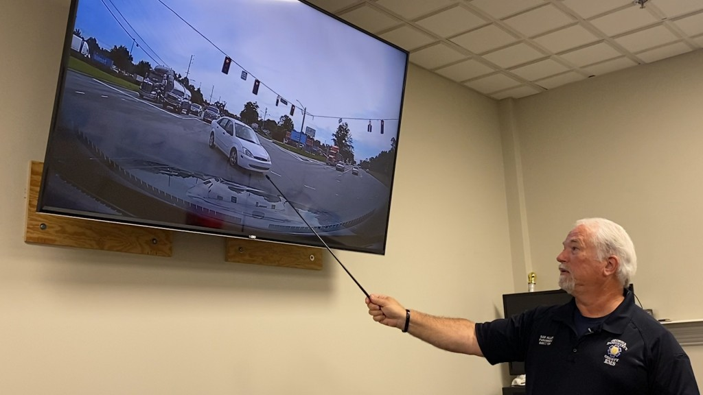 """""""please Be Observant"""": Dougherty County Ems Reminds Drivers To Yield To Emergency Vehicles"""