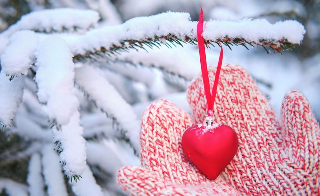 Heart Mittens Snow 160278954 M