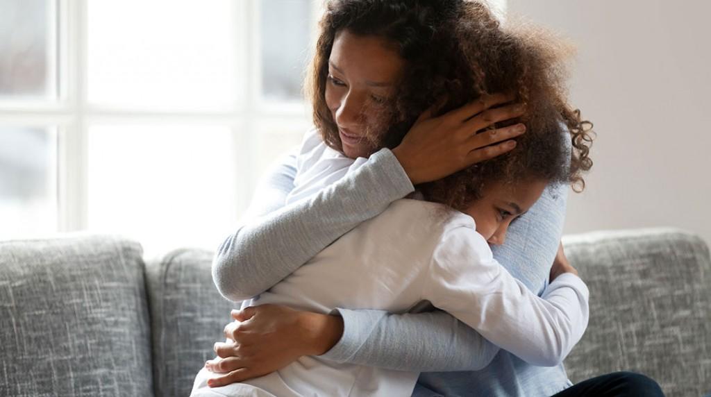 Woman Child Hugging 115422719 M