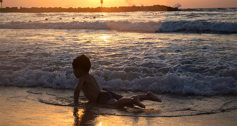 Patty Nieberg Palestinian Toddler Plays Beach Tel Aviv