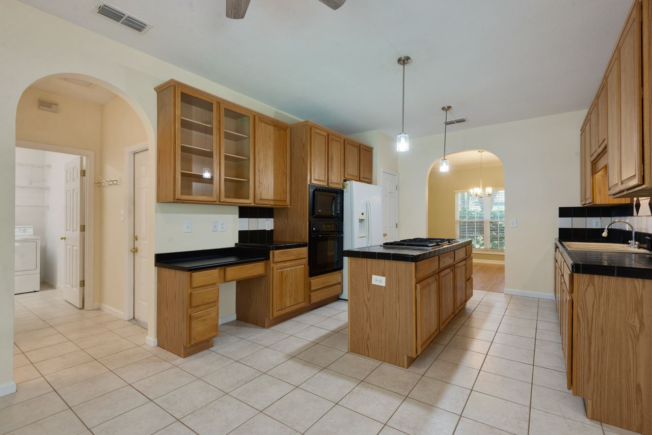 405 Holly Hill Court, Tallahassee, FL