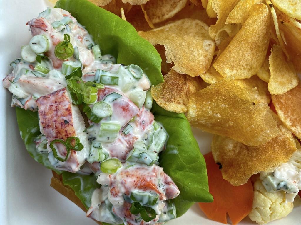 Bluhwy Lobsterroll1