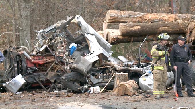 Firefighter, truck driver identified in Hardin Co  crash - WBBJ TV