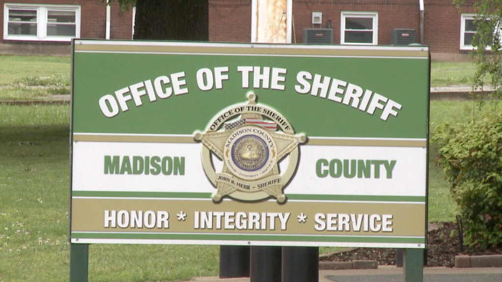 Madison Co. sheriff offers holiday safety tips - WBBJ TV