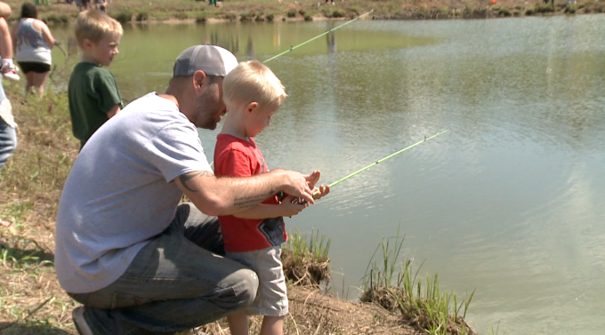 Henderson co celebrates free fishing day in lexington for Colorado one day fishing license