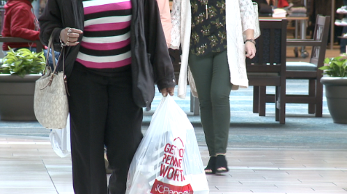 Shoppers make last minute purchases before Christmas