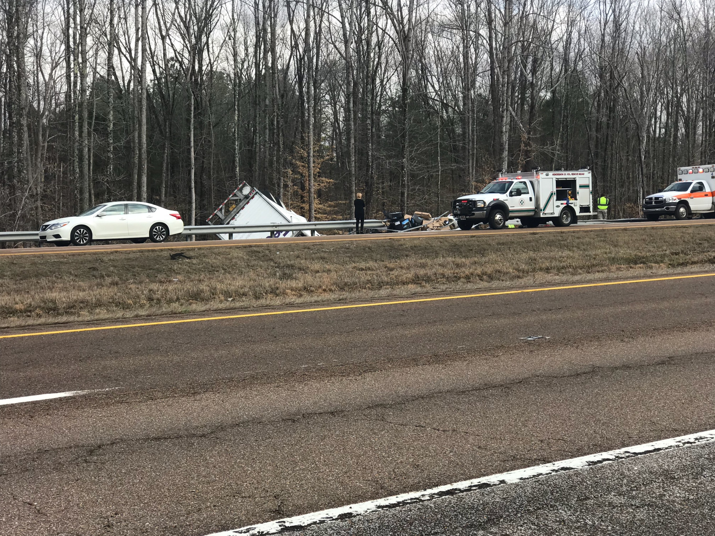 THP responds to overturned FedEx truck on I-40 - WBBJ TV