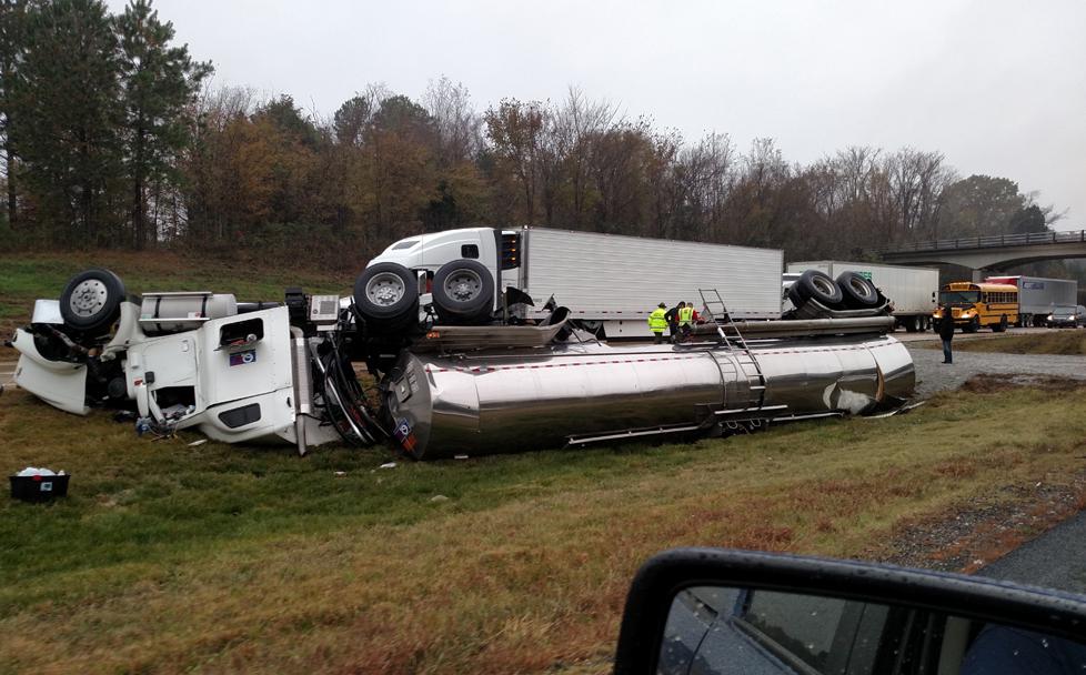 Overturned tractor-trailer stalls traffic on I-40 near Jackson - WBBJ TV