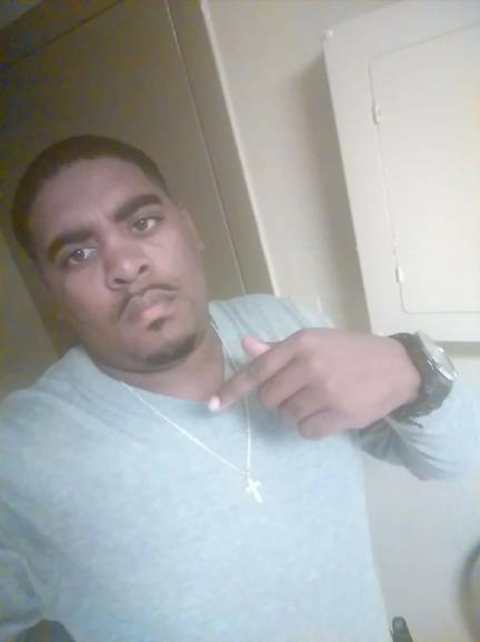 Man dies after standoff in east Jackson apartment - WBBJ TV