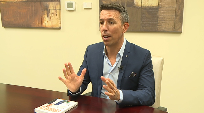 Entrepreneur, author explains how to start a business selling with