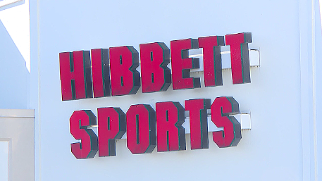 71e07d34cf40 Paris police are investigating a robbery reported around 6 30 p.m. Monday  at Hibbett Sports.