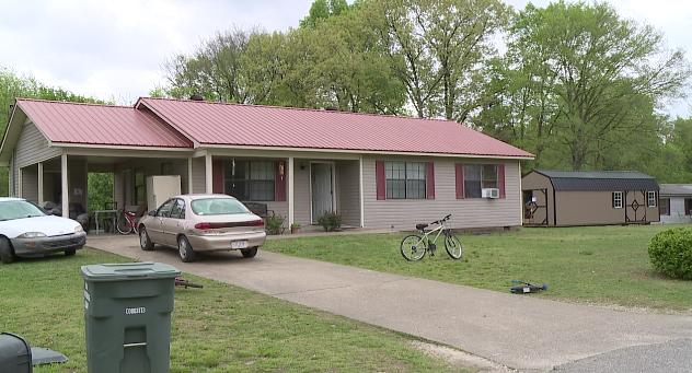 Authorities raid Decatur Co  houses, make multiple arrests - WBBJ TV