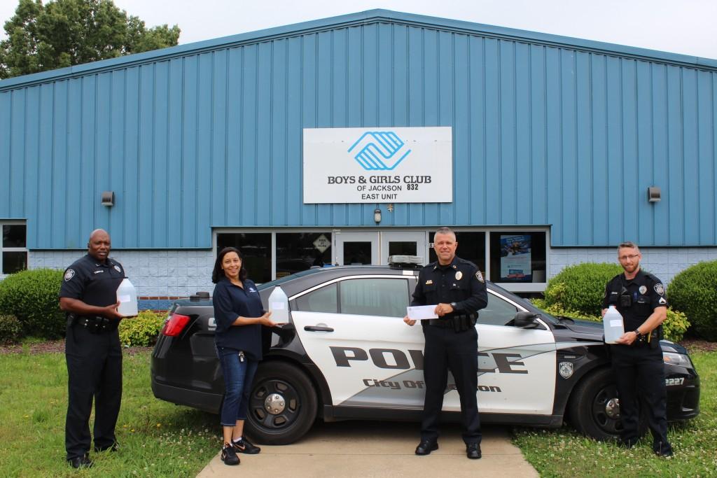 Jackson Police Make Donation