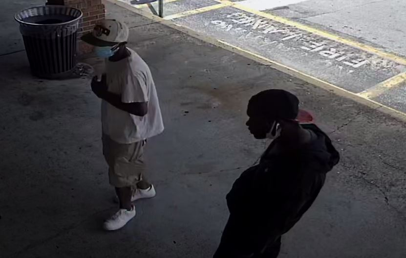 Police search for suspects in Metro PCS robbery