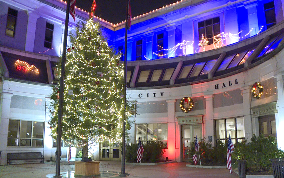 City of Jackson hosts socially distanced Christmas ...