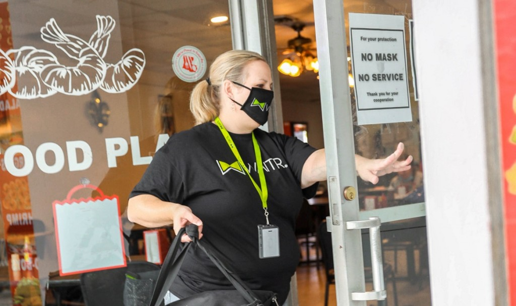 Waitr Delivery With Mask