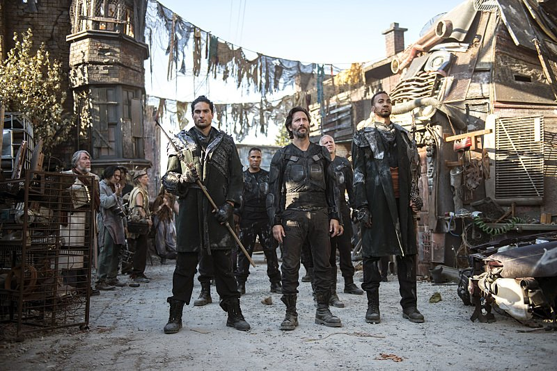 """The 100 -- """"Ye Who Enter Here"""""""