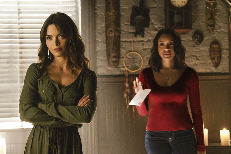 """The Vampire Diaries -- """"Postcards from the Edge"""""""