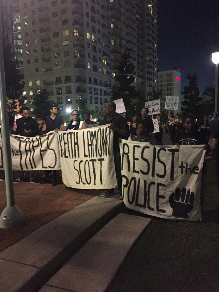 Charlotte Protests Friday Night Photo by @AmyWCCB