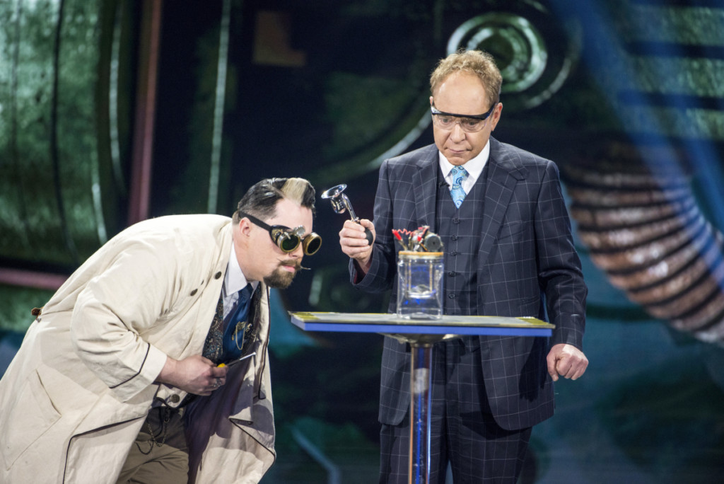 "Penn & Teller: Fool Us -- ""Does This Trick Ring a Bell?"""