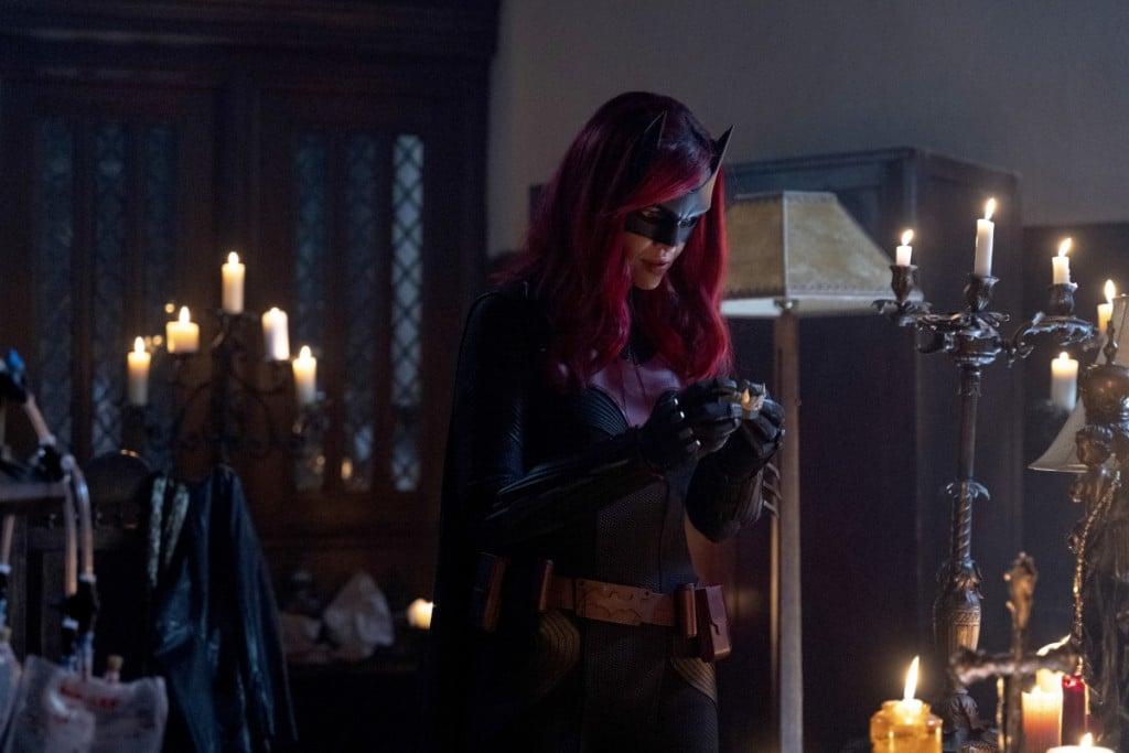 """Batwoman -- """"Drink Me"""""""